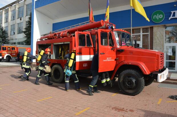 Пожарные, фото иллюстративное: ГСЧС Ивано-Франковской области