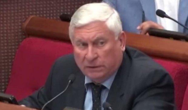 Деньги на ремонт киевских подъездов идут в карманы чиновникам