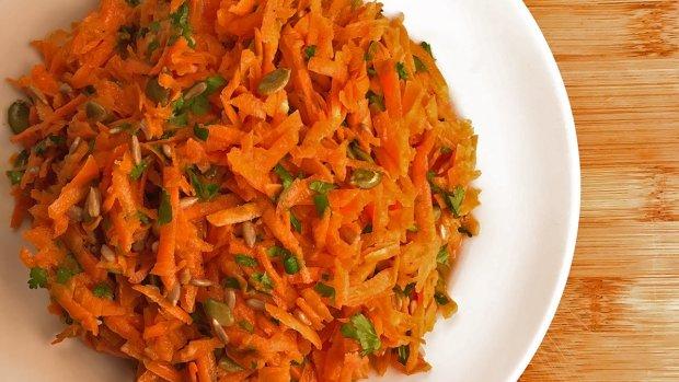 Рецепт пісного медового салату з моркви