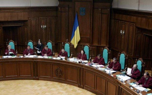 """""""Диктаторы"""" на подходе: суд пожалел прихвостней Януковича"""