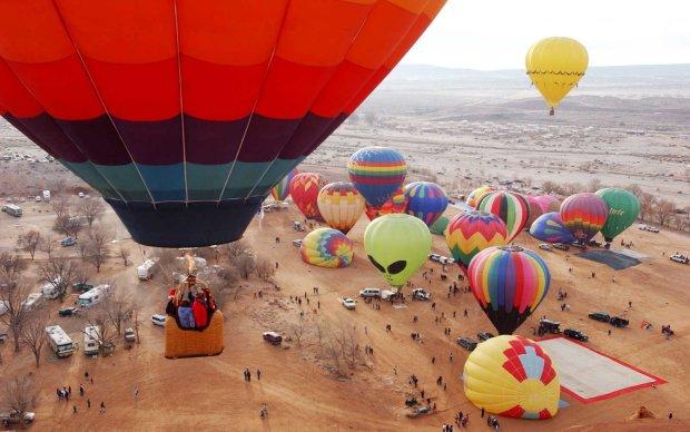 Небо Нью-Мексико заповниться барвистими повітряними кулями