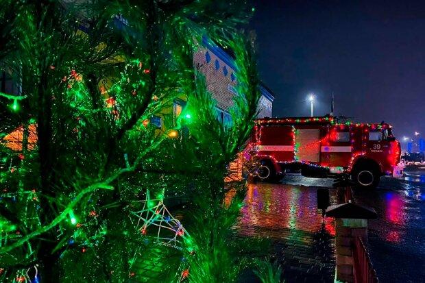 Пожарную часть украсили к Рождеству: Facebook ГСЧС Хмельницкой области