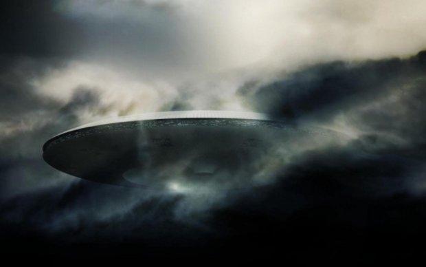 Мексиканці зафільмували одразу два НЛО над вулканом
