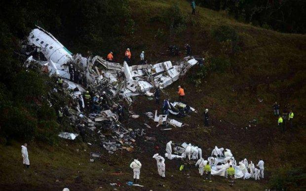 Наслідки кривавої авіакатастрофи показали з повітря