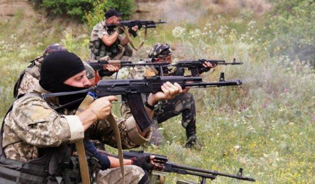Бійці АТО відпрацювали бойову стрільбу на фронті (фото)