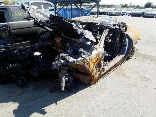 Сгоревшая Supra, carscoops