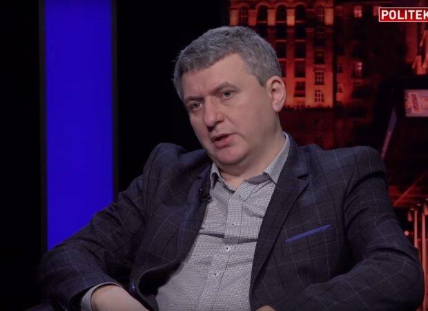 Романенко пояснив відставку Богдана: ″Від перестановки ліжок в борделі нічого не поміняється″