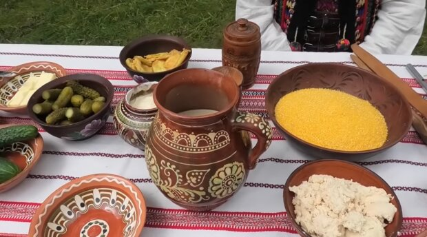 Запашний банош, білий борщ і голубці - топ шедеврів гуцульської кухні, які повинен спробувати кожен