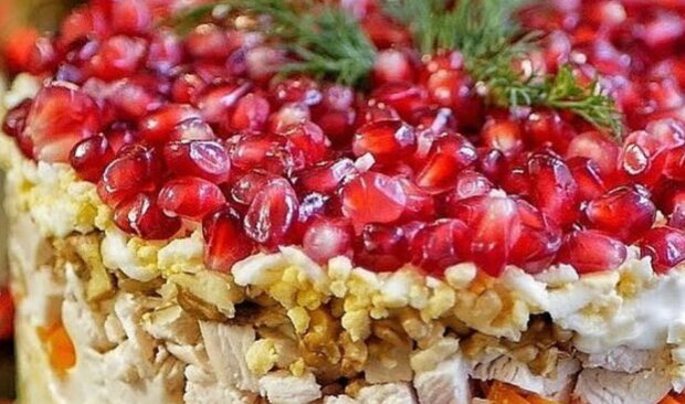 "Салат ""Красная шапочка"", instagram.com/foody.magic"