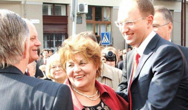 Опубліковані фото матерів українських політиків