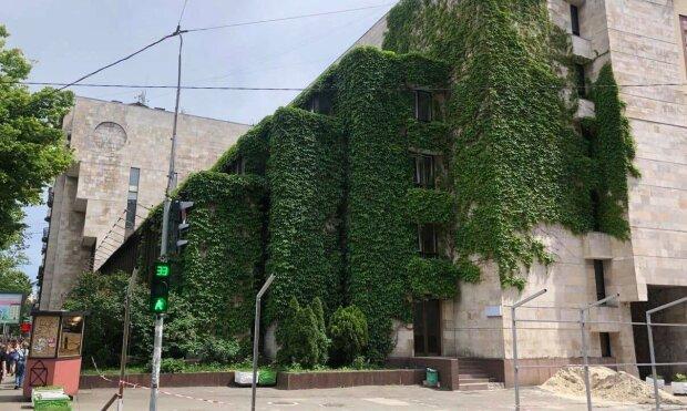 реконструкция здания на Сечевых Стрельцов