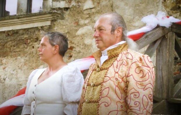 На Закарпатье семья восстанавливает Чинадиевский замок, скриншот