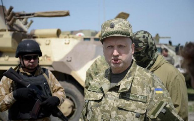 Кортеж Турчинова устроил гонки за Киевом: видео