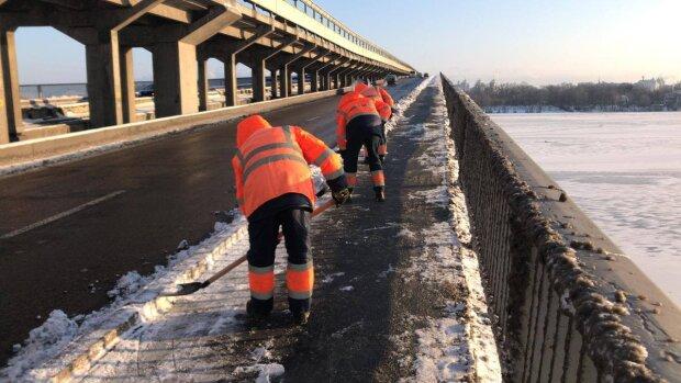 Уборка снега / фото: Официальный портал Киева