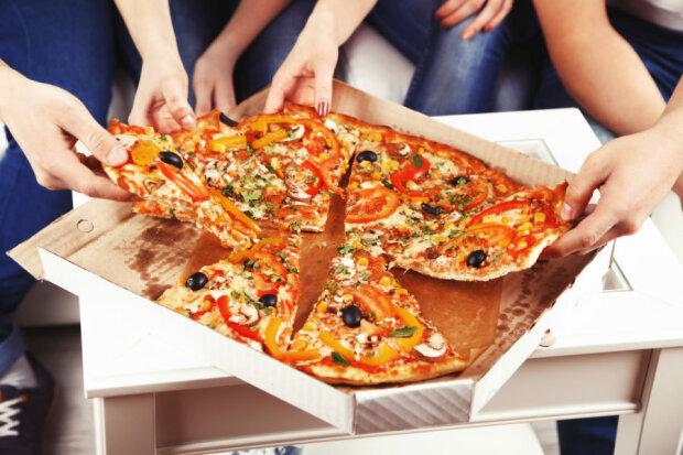 В Киеве расправились с курьером пиццы: ты не ты, когда голоден