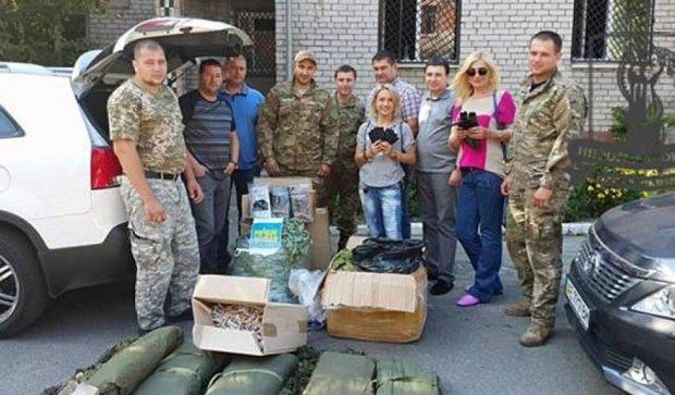 Чешские и днепродзержинские волонтеры направили помощь в АТО (фото)