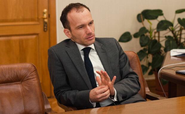 """Министр Малюська объяснил поднятие зарплат чиновникам: """"Когда у меня закончатся деньги, я уйду"""""""