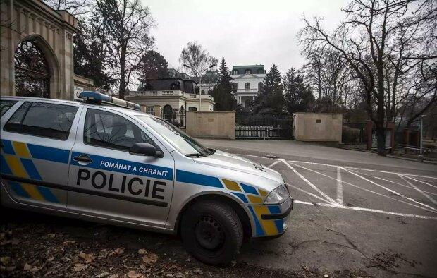 Польська віза й українські права: в Чехії затримали громадянина Узбекистану