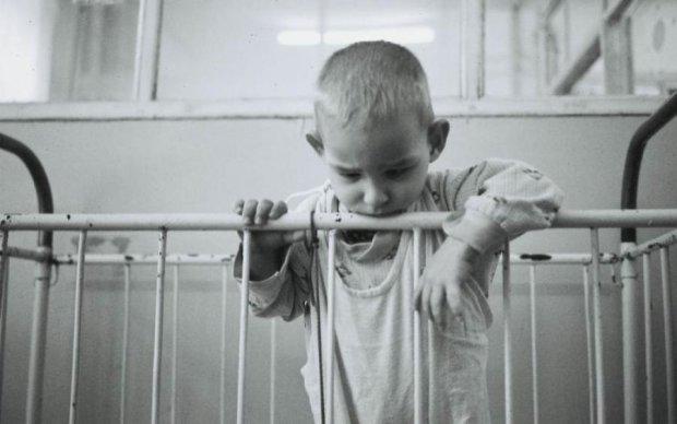 Это тюрьма: жизнь украинских детей превратили в настоящий ад