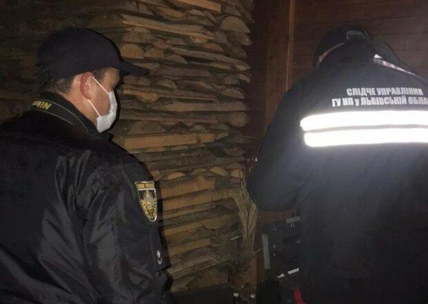 На Львівщині жінка розстріляла двох маленьких доньок з мисливської рушниці і пустила собі кулю в лоб