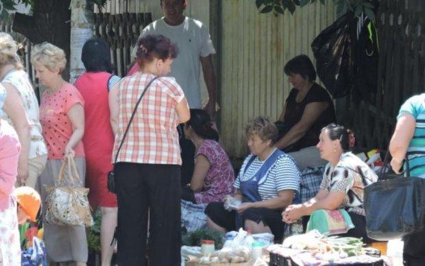 Гадюшник посреди Киева: элитный район города превратили в свалку