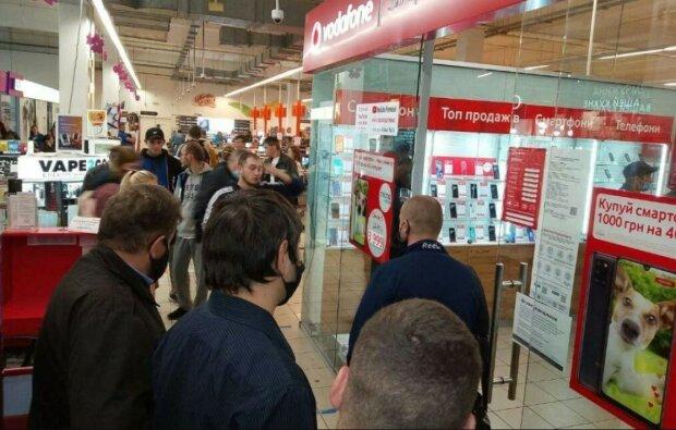 """Клиент Vodafone не может добиться ответа, доставка взлетела с 0 до 50 в два клика: """"Оператор просто закончил сессию"""""""