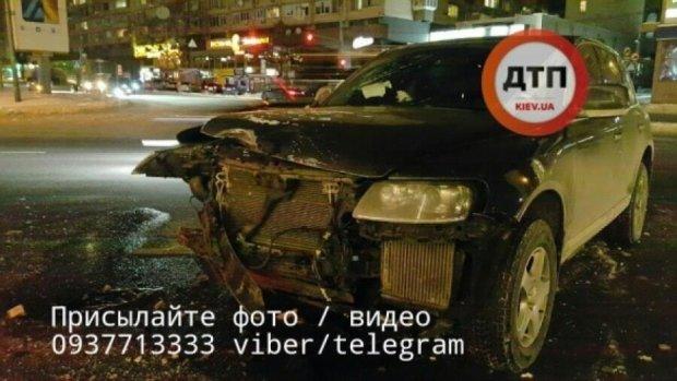 Дві іномарки розбилися в центрі Києва