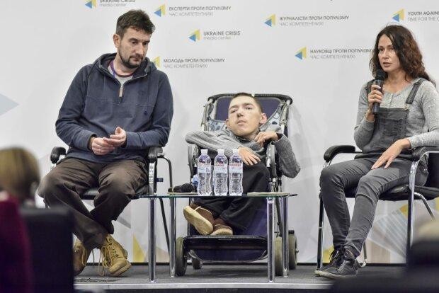 """Український Нік Вуйчич підкорив світ: фільм дніпровського режисера став потужним мотиватором для """"особливих"""" людей"""