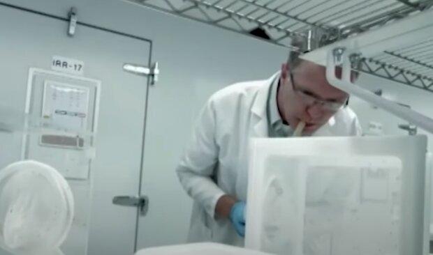 Полтавчанин подхватил экзотическую болезнь страшнее коронавируса - температура под 40 и ломка, как у наркомана