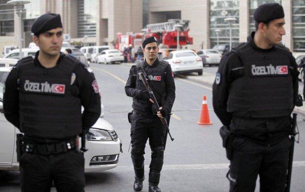 Интерпол задержал подозреваемого в убийстве харьковских студенток: нашли возле могилы