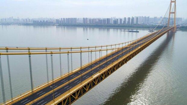 Велодоріжки та оглядові тротуари: відкрили найдовший двоповерховий міст у світі