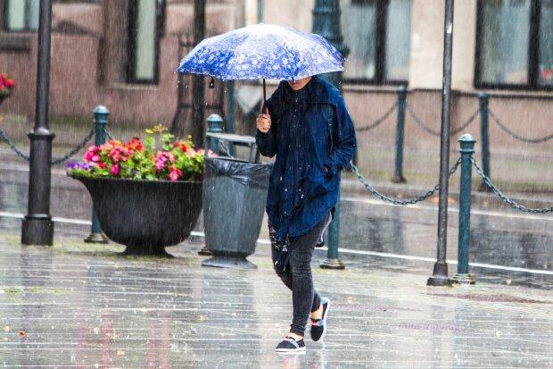 Вінницю накриє мокрим покривалом: захопіть парасольки 7 листопада