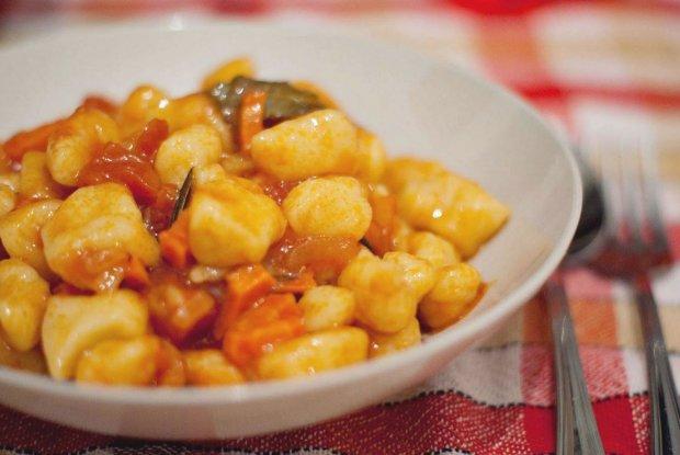Що готувати під час Великого посту: картопля з гострим томатним соусом