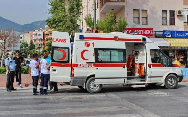 Автобус з військовими потрапив у моторошну ДТП, десятки постраждалих