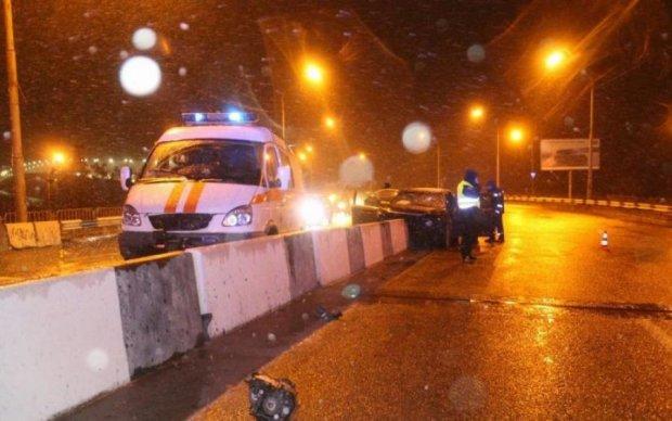 Вже друга загадкова смерть: біля київського моста знайшли бездиханне тіло