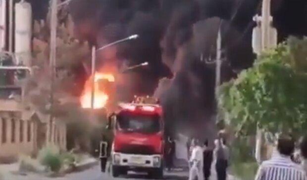 Взрыв на химзаводе, скриншот: Youtube