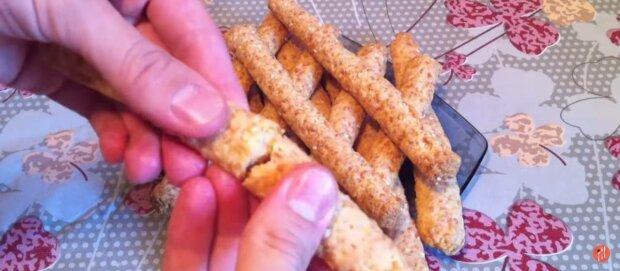 Сирні палички, фото: скріншот з відео