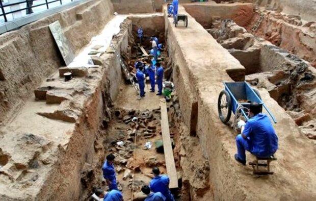 Археологи, фото: YouTube
