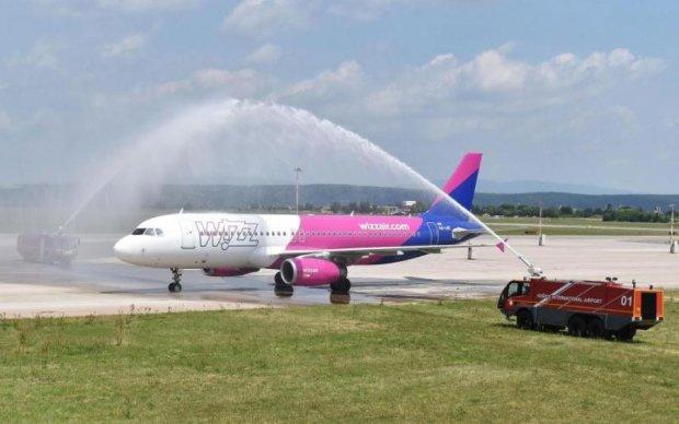 Ryanair чи Wizz Air: порівнюємо ціни та умови для України