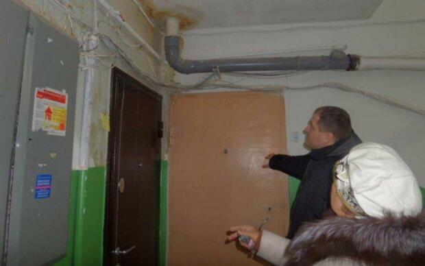 Слов не хватает: коммунальщики едва не уничтожили дом