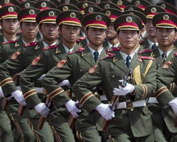 """Китай представил новую военную стратегию """"активной обороны"""""""