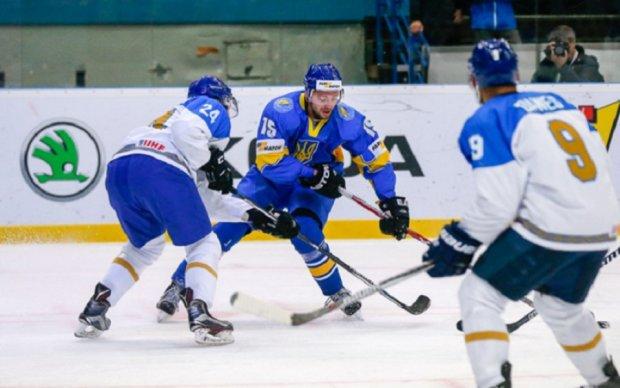 Чемпионат мира по хоккею: Украина уступает в четвертом матче подряд