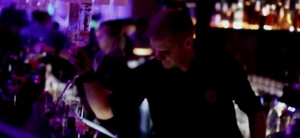 Ночные клубы фасоль чем занимаются девушки в ночных клубах видео