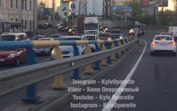 Авария спровоцировала гигантскую пробку в Киеве