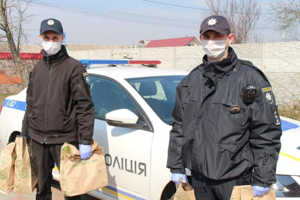 поліцейські, фото з Facebook