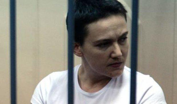 Российская жара истощила Савченко - адвокат