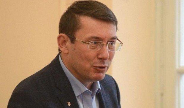 Луценко запропонував збільшити частку контрактної армії до 70%