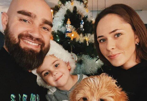Юлія Саніна з сім'єю / фото: Instagram The Hardkiss
