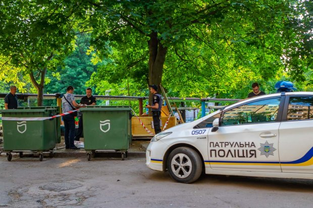 У Києві закривавлений психіатр схопився за ніж: полював на жінку з дитиною, повна клініка