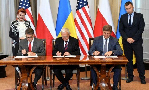 """Україна, Польща та США підписали газовий меморандум: Данилюк не стримує емоцій - """"Історичний день"""""""